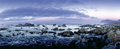 The picturesque Kleinmond coast, bordering the Kogelberg Biosphere Reserve, is about 20 minutes from